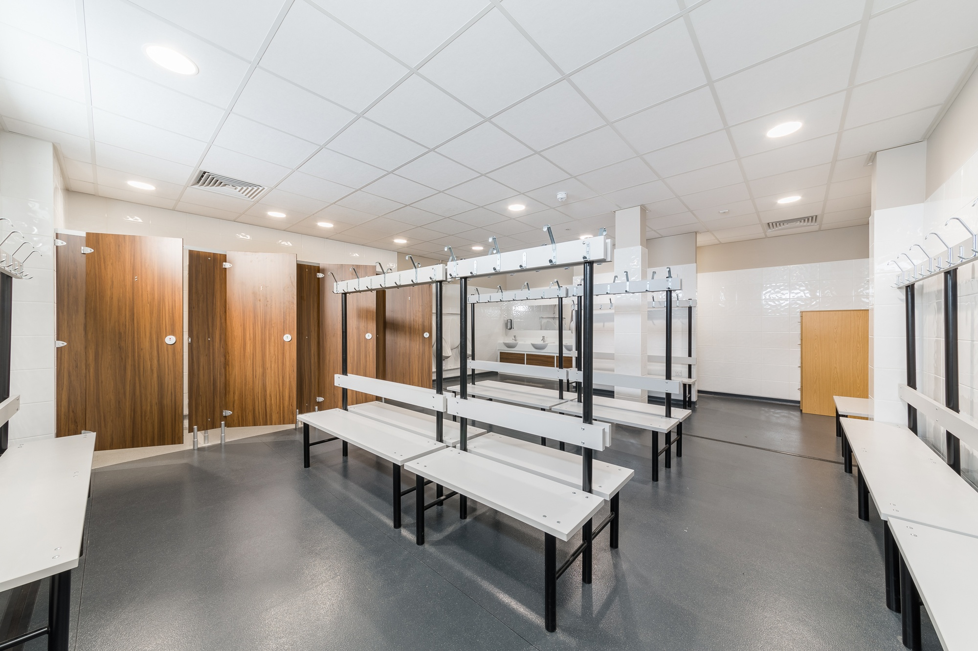 Four_Court_Sports_Facility_Changing_Room